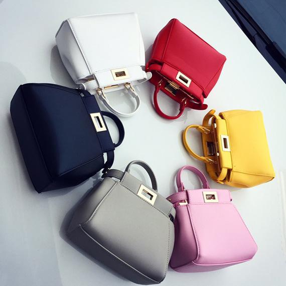 7727ac5e9e In the Autumn of 2016 Korean New Handbag Simple Fashion Handbag Shoulder  Bag Lady Kitten Diagonal Lock Bag Online with  583.33 Piece on  Pretty dress s Store ...