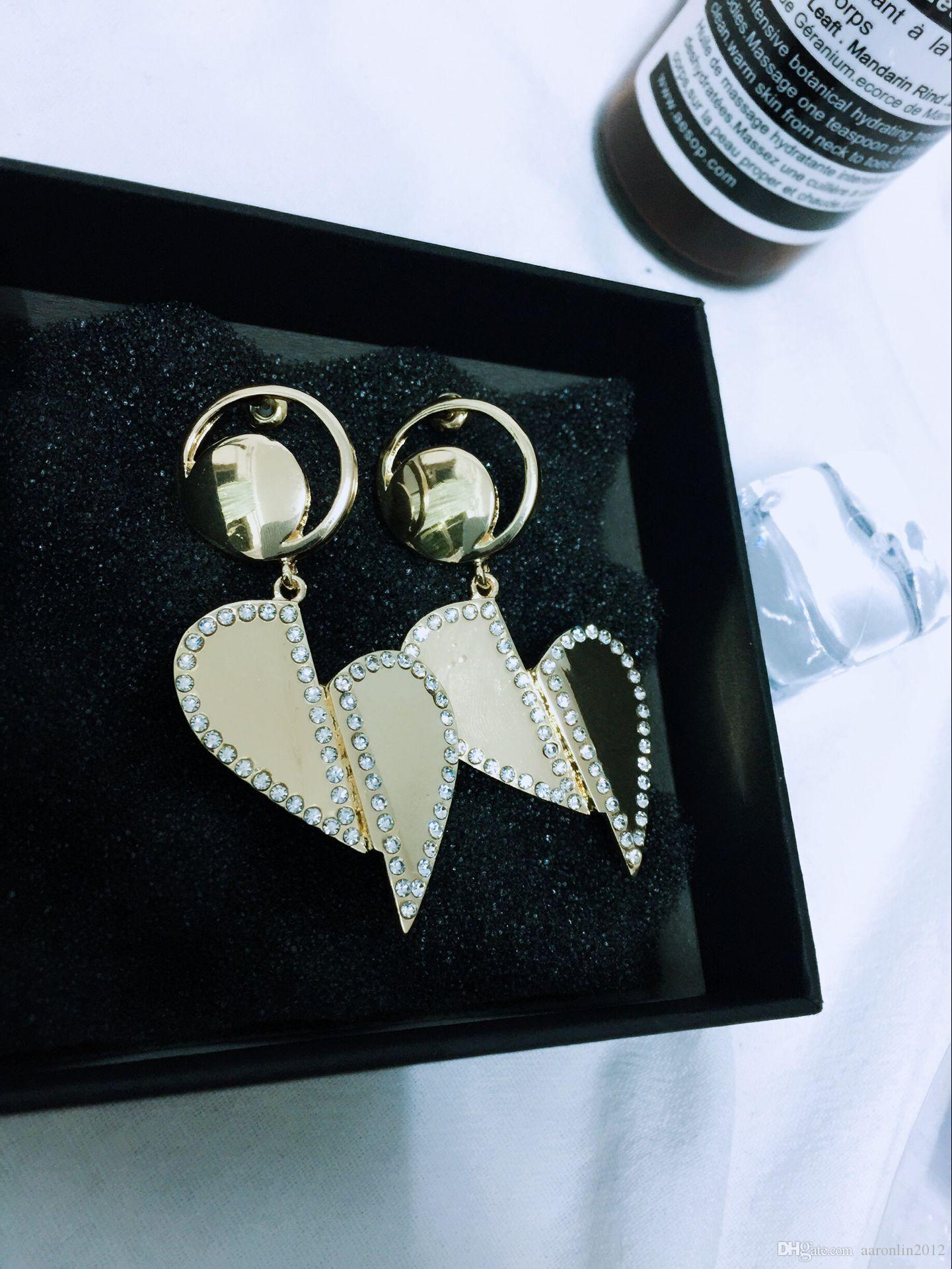 Women Vintage Metal Heart Stud earrings Fashion Punk jewelry Crystal earrings pendant Gold brincos Female Wedding accessories