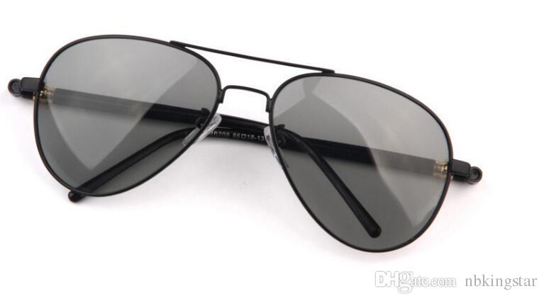 Gli occhiali da sole fotocromatici degli uomini del nuovo progettista di marca che guidano il driver hanno polarizzato gli occhiali da sole degli occhiali da sole degli occhiali di metallo Trasporto libero