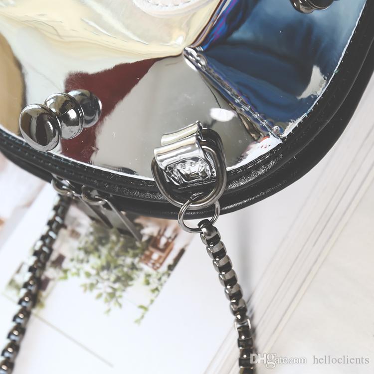 Qualidade de espelho de couro preto acolchoado cadeia saco hobo Coleção mini aba sacos jumbo Preço Fab bom preço estilo V sacos de ombro de pele de cordeiro