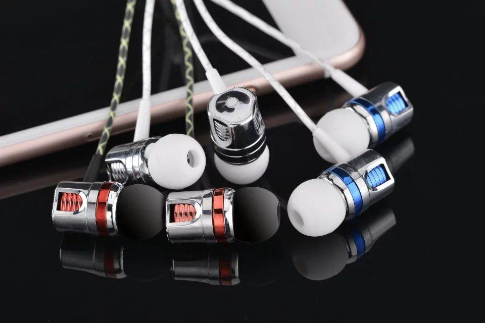 New Packing Super bass Brand In Ear Earphone For iPhone /Samsung / MP3 / MP4 Noise Canceling Earbuds