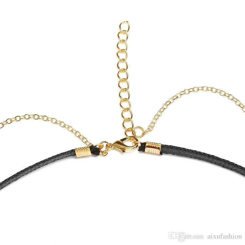 Collana girocollo in oro con ciondoli girocollo in zirconi d'oro le donne