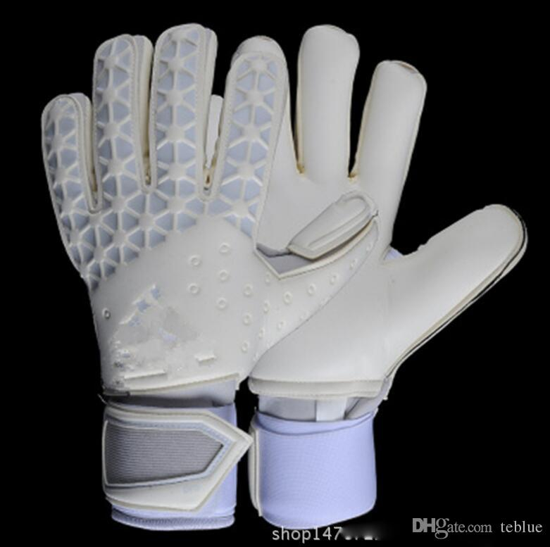 2017 Men Women Soccer Goalkeeper Gloves Wearable Slip Resistant Football Keeper Latex Goalie Gloves Professional Finger Protection