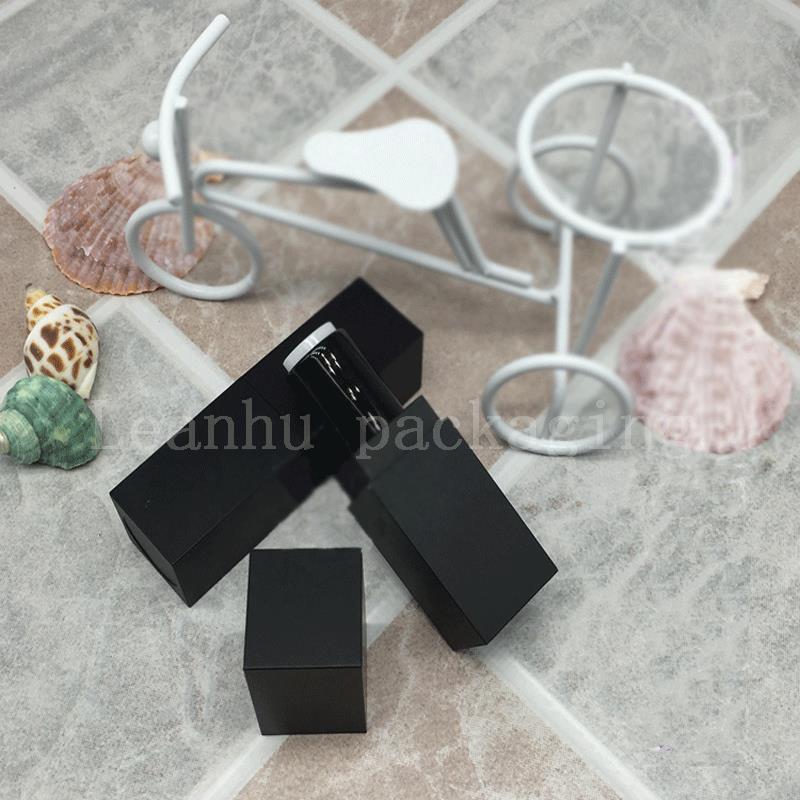 Gros rouge à lèvres en plastique tube côté grand tube carré rouge à lèvres tube bricolage fait à la main maison spot classique mat noir / rose