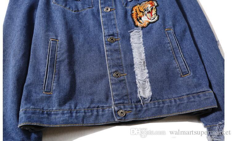 Compre Tigre Bordado Rasgado Hombres Mujeres Chaquetas De Mezclilla Diseño De Moda Estilo Europeo Kanye Yeezus Chaqueta De Los Hombres es A $40.61 Del