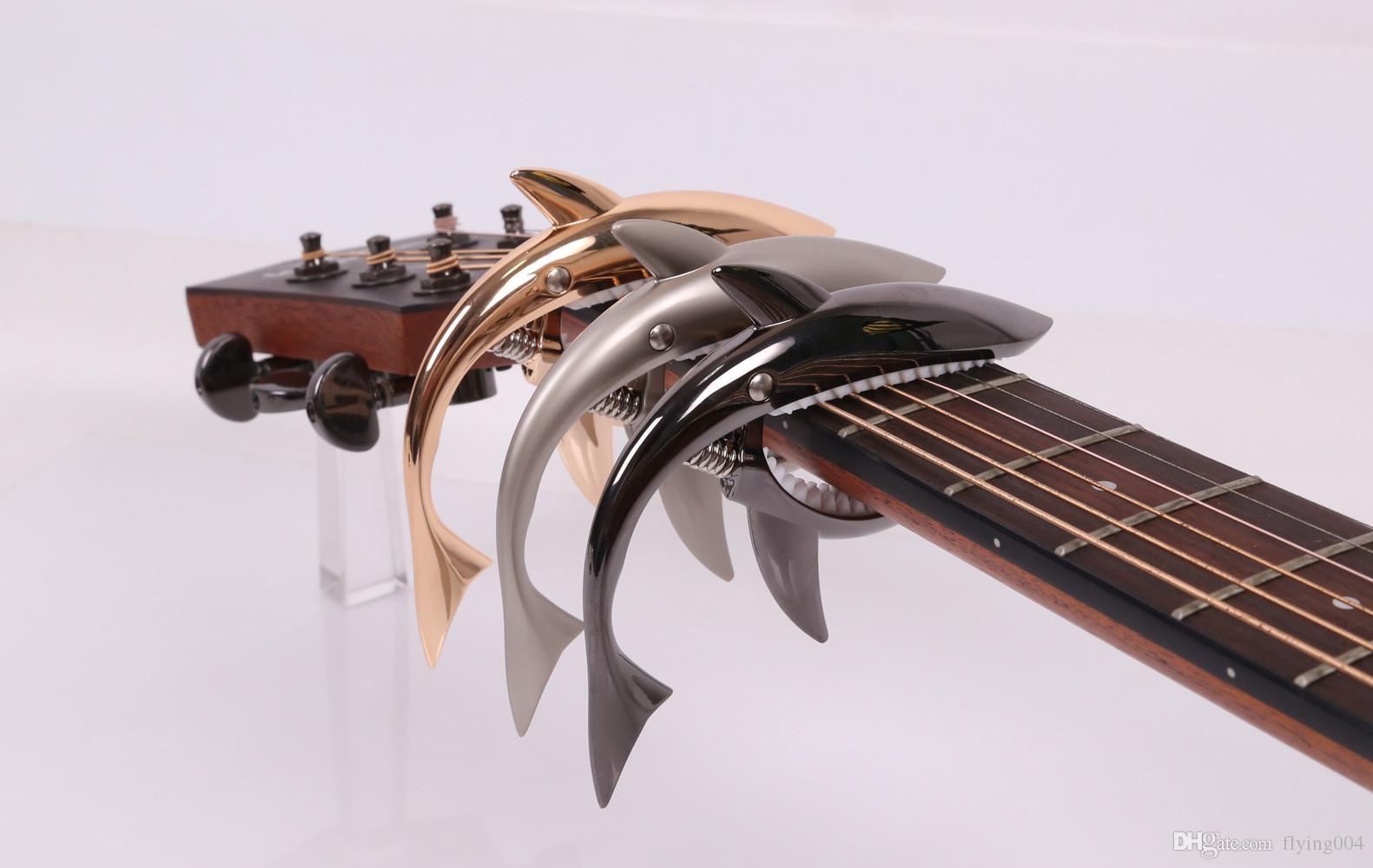 الشحن مجانا جودة عالية جديد تصميم الأزياء الغيتار البانجو القيثارة أسماك القرش قوم الغيتار كابو الصوتية خشبي كابو عود كليب