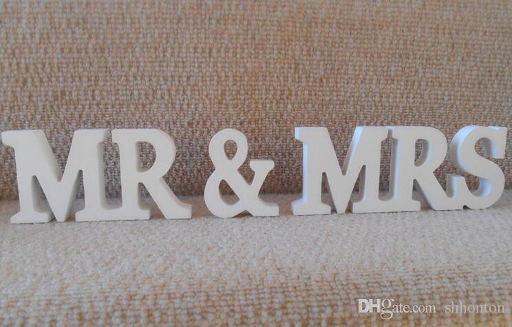 DIY 장식 영어 편지 나무 MR MRS 결혼식 품목 영국 편지에있는 목조 가구 기사 신부 수도 WT041