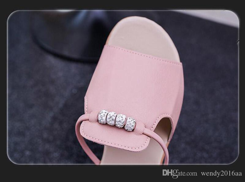 2017 New Korea Style Lady Pu Casual Round Head Middle Base Outdoor Slippers with a string of beads Non-slip Beach shoes summer