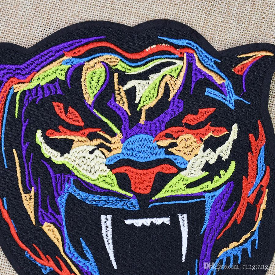1 stücke multicolor tiger stickerei patches für kleidung taschen diy eisen auf transfer applique patch für kleidungsstück jacken nähen auf stickerei abzeichen