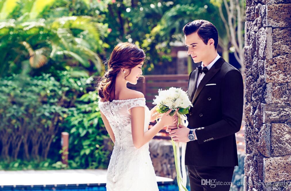 Costume à double boutonnage de style britannique la robe de marié deux-revers revers belle balle costumes robe personnalisée de haute qualité
