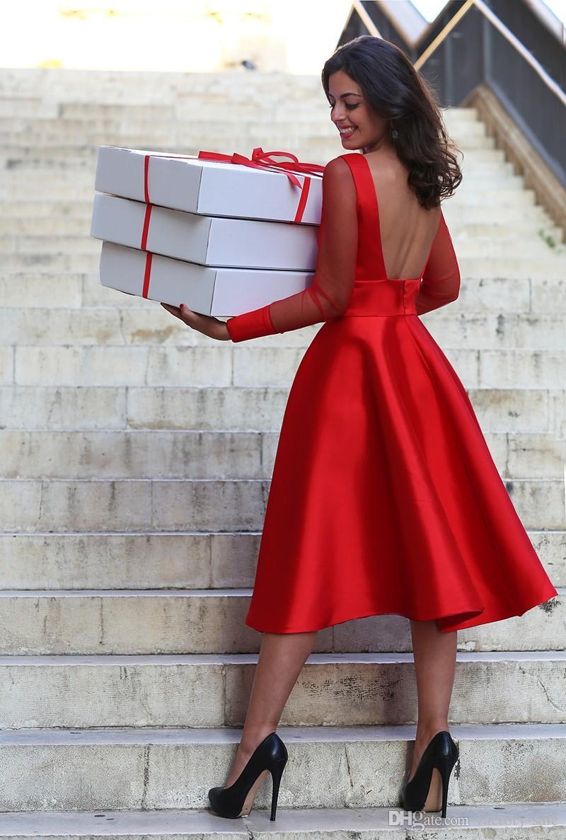 2019 Sheer Mangas Compridas Red Vestidos Homecoming A Linha de Jóia Pescoço Backless Tea Comprimento Cocktail Vestidos Mãe Vestidos Formais Baratos