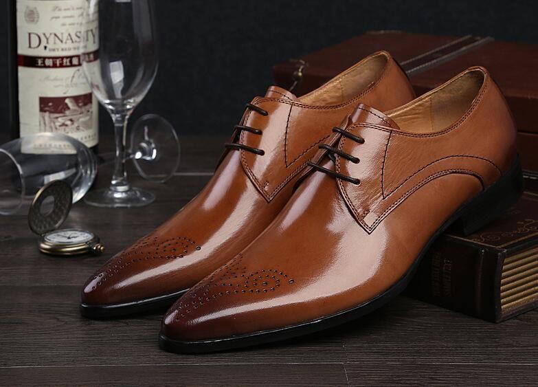 Мужская обувь Оксфорды Высокое качество Brownblack Натуральная кожа Мужчины Классическая обувь Италия Роскошные свадебные мужские туфли