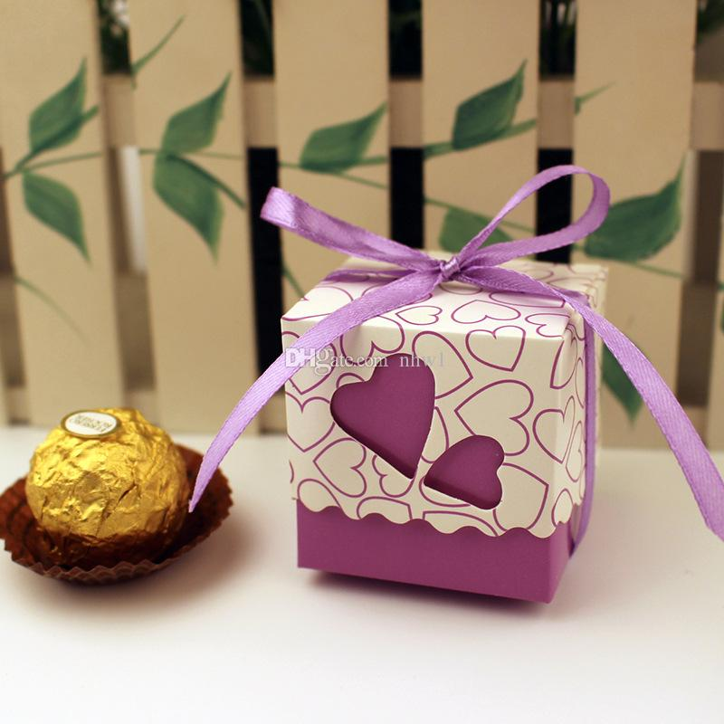 Amor Corazón Púrpura Rosado Pequeño Laser Cut Candy Bag Wedding Party Favor Regalo Cajas de dulces Cinta Casamento Decoraciones para eventos