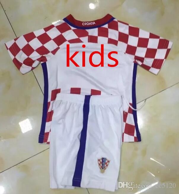 Compre Nuevos Uniformes Kit Juventud Niños 2016 Copa De Europa Croacia   7  I.RAKITIC   10 MODRIC   17 MANDZUKIC Jersey De Fútbol Blanco Rojo Jerseys A  ... 16aa32c2a4d9f