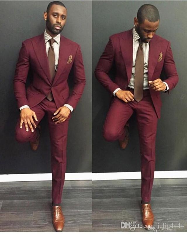 Compre Elegantes Trajes De Esmoquin Para Bodas En Color Borgoña Slim Fit  Novios 95b4cd213641