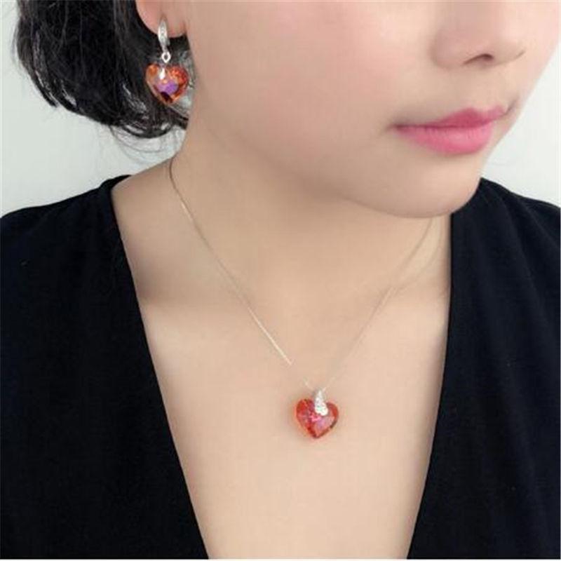 Mode-Herz-Anhänger Strass Halskette für Frauen gemacht mit Kristallen von SWA-Elementen Hochzeit Verlobung Schmuck 25311