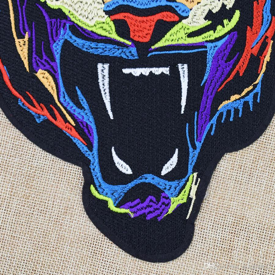 1 ADET Renkli Kaplan Nakış Yamalar Giyim Çanta için DIY Demir on Transfer Aplike Yama Giysi Ceketler için Nakış Rozeti dikmek