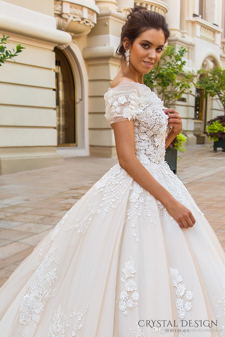 2018 Stunning Light Chamapgne Wedding Dresses with Detachable Bolero Sweetheart Full Embroidery Cathedral Train Bridal Gowns Custom Made