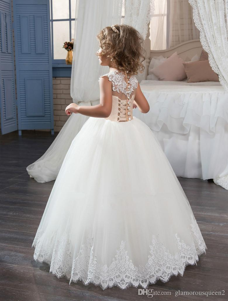 2017 New First Communion Dresses for Girls Champagne Lace Up Sleeveless Ball Gown Appliques Flower Girl Dresses for Weddings Hot