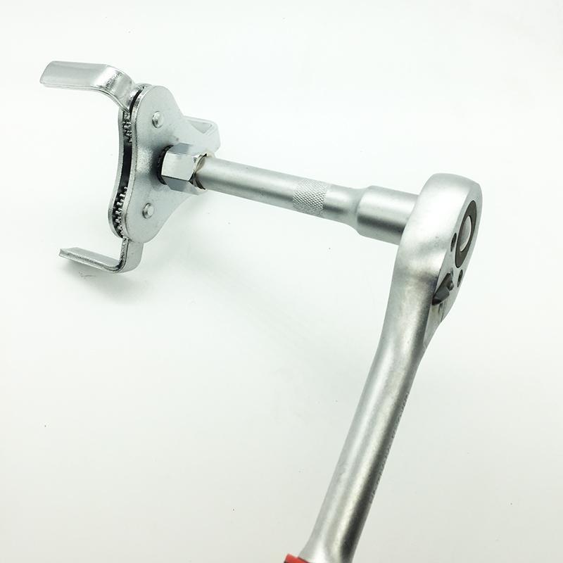 新しい自動車の修理ツール調節可能な2つの方法オイルフィルターレンチツール車のトラック62-102mmのための3つのジョー除去ツール