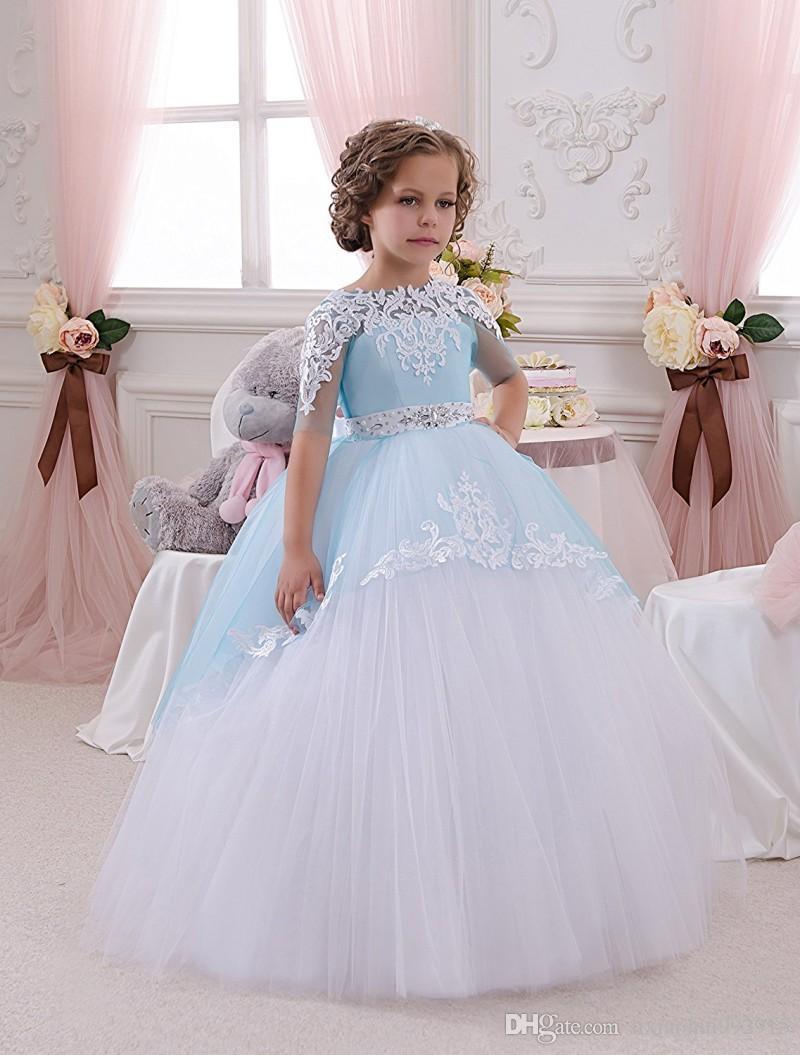 Vestidos de Primera 2021 Pizzo Appliques Mezza manica Fiore Abiti le ragazze matrimoni Ball Gown Princess Tutu Abiti da Comunione con la cinghia