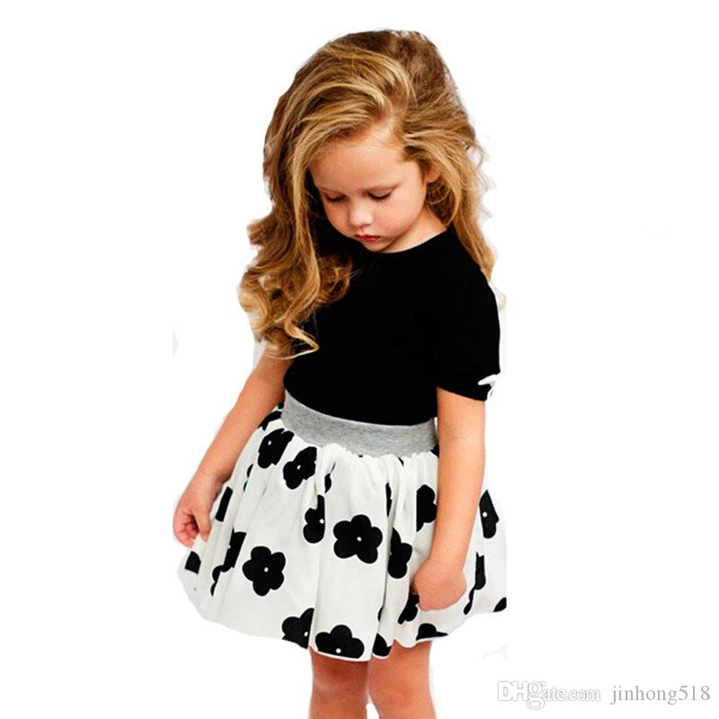 2017 new children's suit, short sleeved summer butterfly T-shirt + flower skirt suit, foreign trade children's clothing