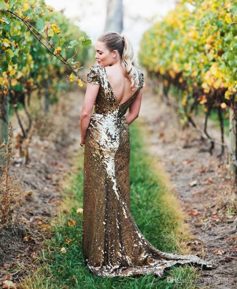 Paillettes d'or à manches courtes robes de mariée col en v split colonne robe de mariée balayage train robe de réception dos nu