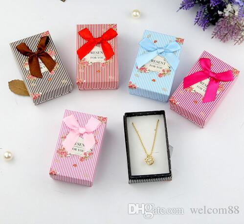 24 pçs / lote anel brinco colar conjunto caixas de jóias para exposição de empacotamento de artesanato de presente 5 * 8 * 2.5cm Bx13