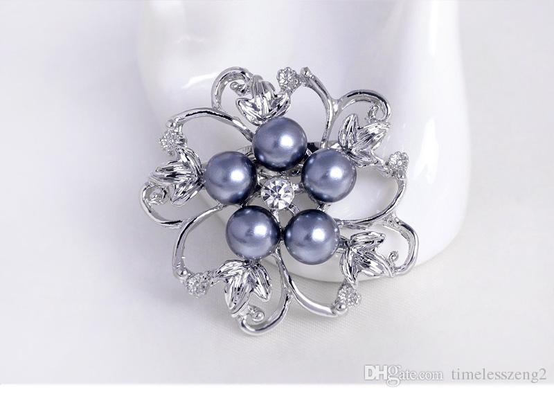 Populäre Legierung Diamant Perle Broschen Folwer Shaped Party FREE FREUNDE EUROPÄISCHE UND AMERIKANISCHE PROPONIONAL SCHÖNE PARTY Dekorationen