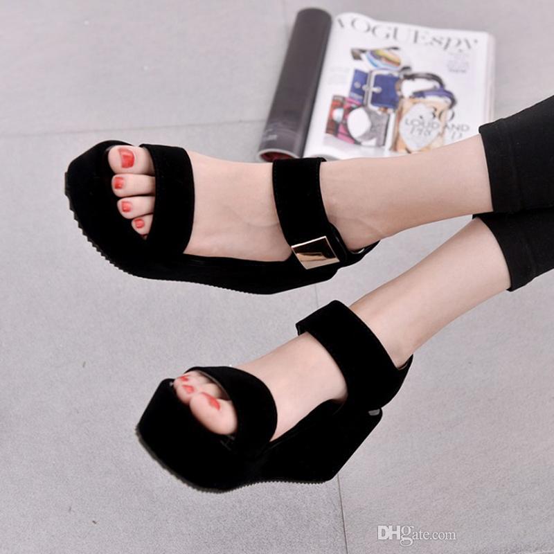 Sandali con zeppa piattaforma estiva Moda Scarpe da donna Sandali piatti con plateau donna stile coreano Scarpe bianche nere
