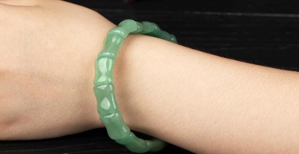 Spedizione gratuita New Fashion Green Jade Bracciale gioielli classici cinesi Bangles 100% Natural Jade Stone