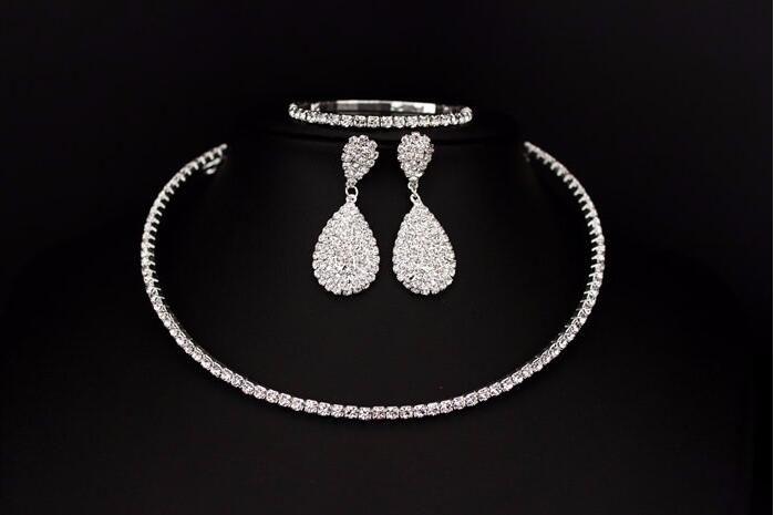 Heißer Verkauf Braut Klassische Strass Kristall Halsband Halskette Ohrringe Und Armband Hochzeit Schmuck Sets Hochzeit Zubehör Brautschmuck