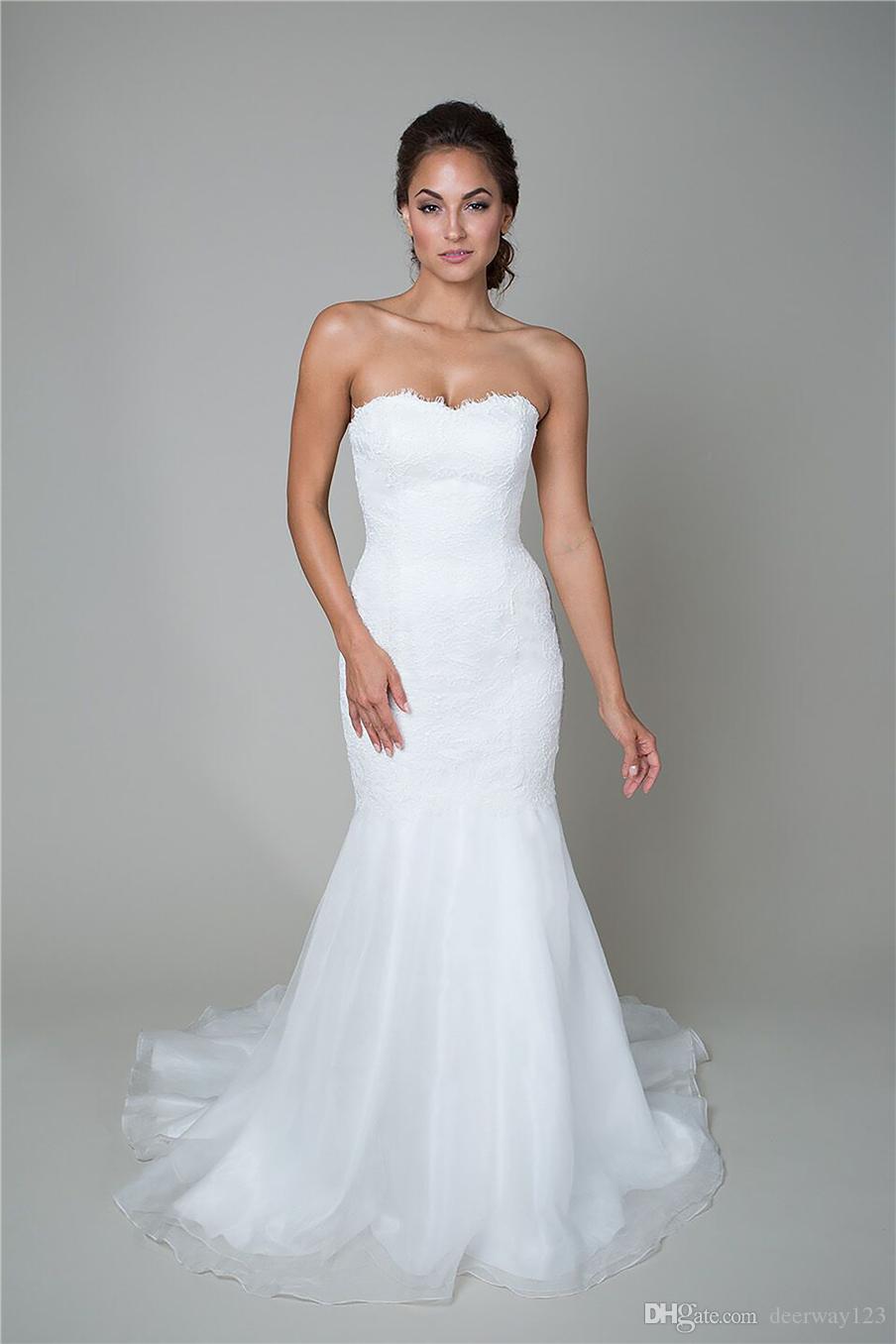 Abito da sposa stile tromba con vita dritta, scollo a cuore, gonna in organza fluente e abito da sposa in pizzo con cordoncino