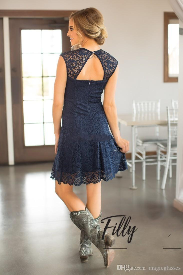 Country Breve Pizzo Abiti da damigella d'onore Guaina aperta posteriore Sweetheart Ginocchio Lunghezza 2017 Blu navy Blue Guest Gowns Maid of Honor Party Dress Dress