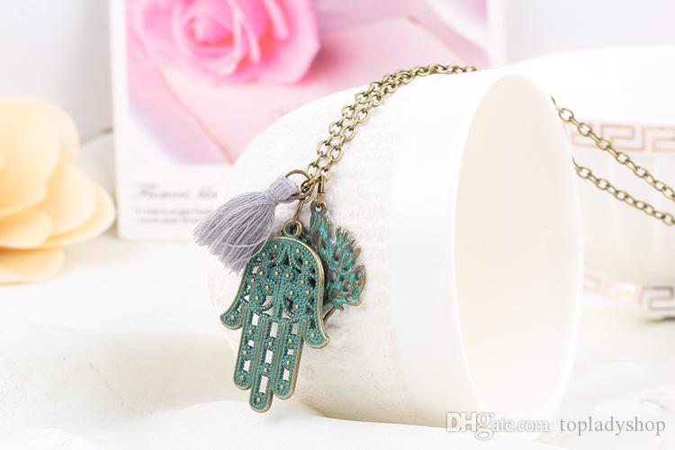 Retro Necklace Europe and the United States fashion new palm hand leaf necklace birthday Valentine 's Day gift jewelry palm hand necklace