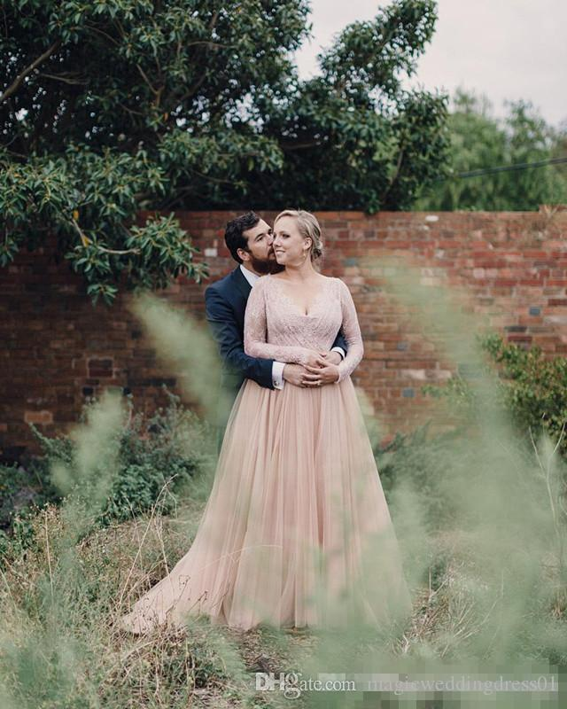 Modeste Plus Taille Blush Tulle Robe De Mariée 2017 Profond Col En V She Sheer Manches Longues Ceinture Romantique Jardin Pays Robes de soirée