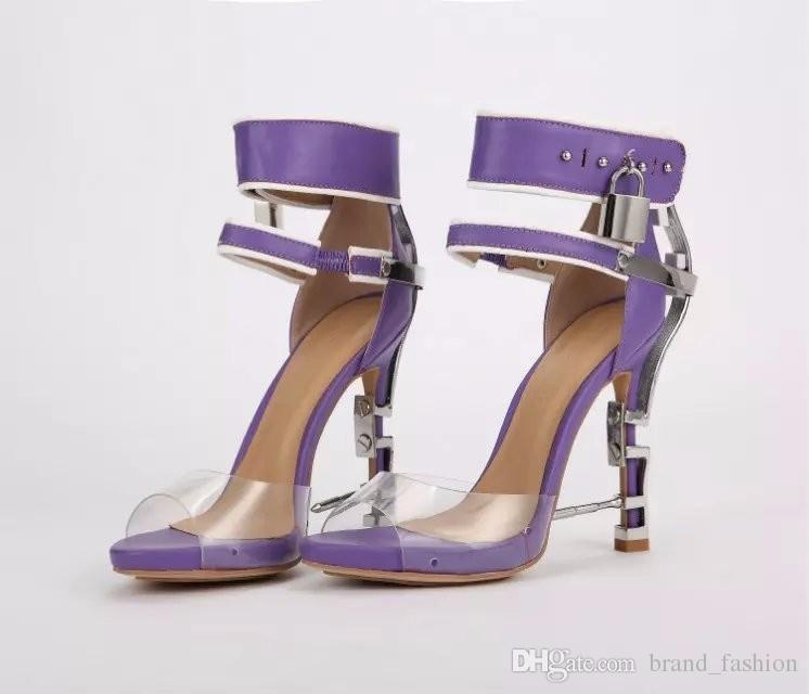 Moda Tasarım Çivili Yüksek Topuklu Peep Toe Kadın Sandalet Çizmeler Şarap Straplez Rhinestone Kilit Yaz Ayakkabı Kadın Yüksek Kalite