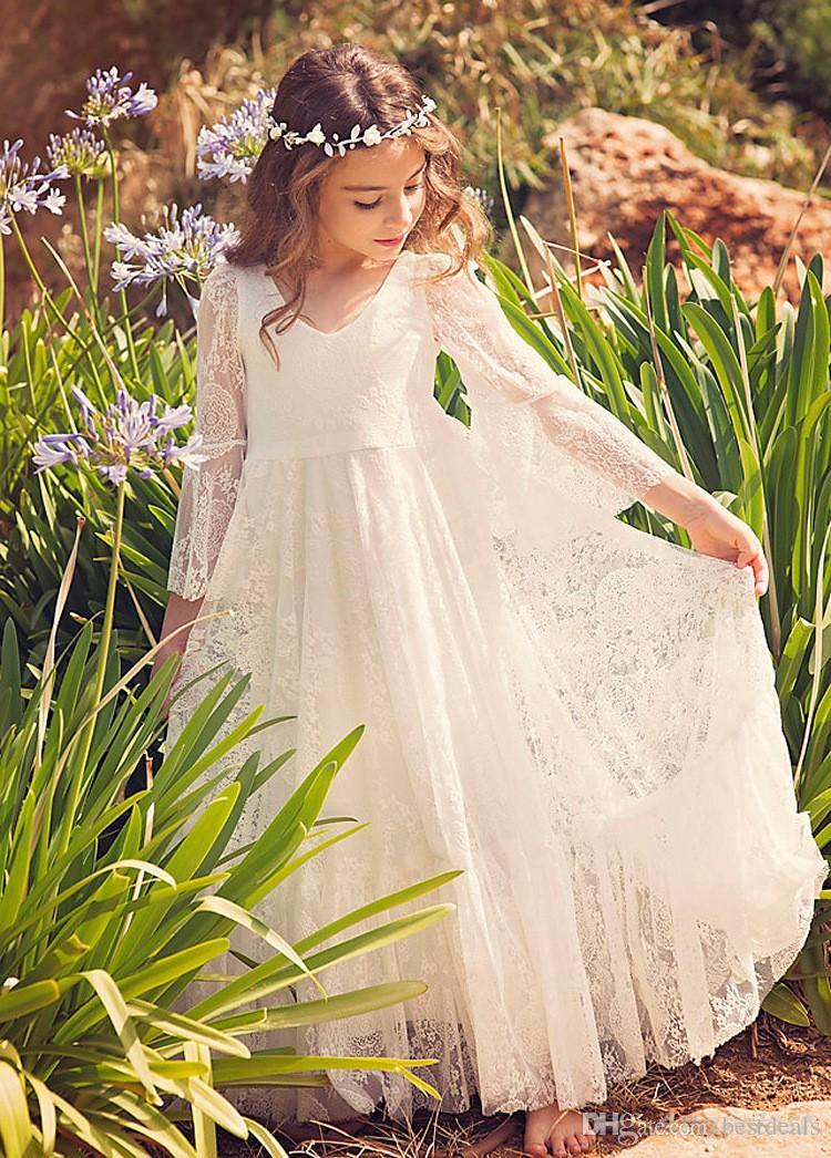 2019 Yeni Plaj Çiçek Kız Elbise Beyaz Fildişi Boho İlk Communion Elbise Küçük Kız V Yaka Uzun Kollu A-Line Ucuz Çocuklar Düğün Için elbise