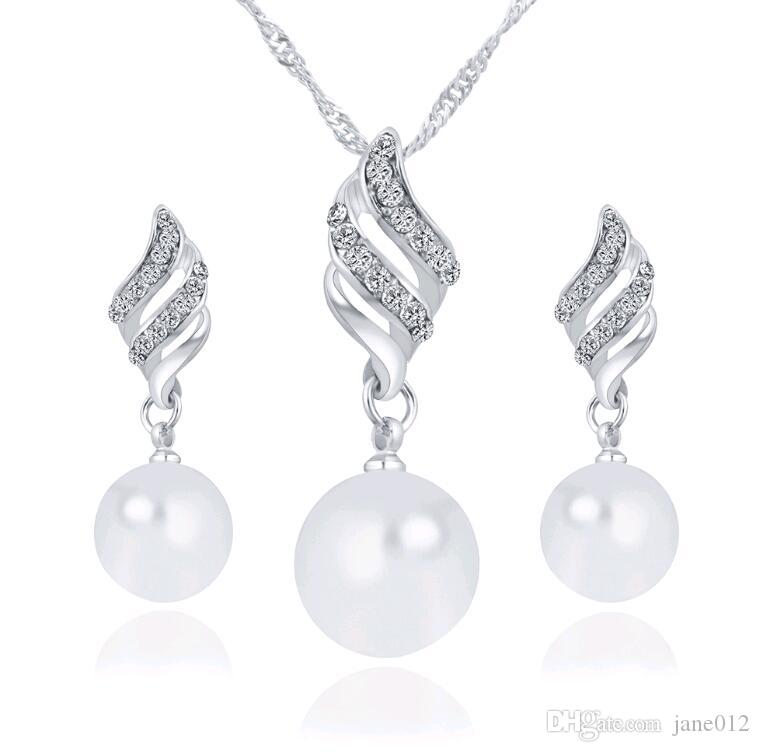 Wholesale Smart Pearl Jewelry Sets for Party Hot Selling Korean Wings Necklace Earrings Set for Bridesmaids Cheap Price