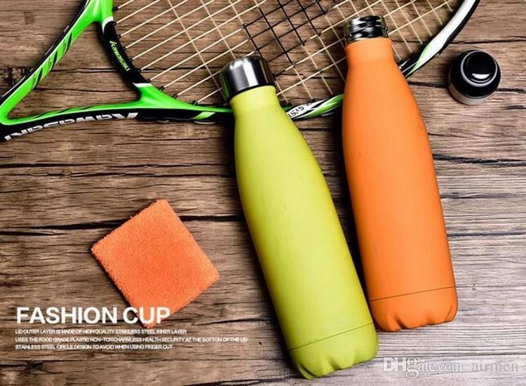 2017 Nuova bottiglia di acqua a doppia parete isolata a forma di cola sottovuoto Bottiglia di acqua ad alta luminanza 17 oz 500 ml Bottiglia creativa isolata sotto vuoto DHL