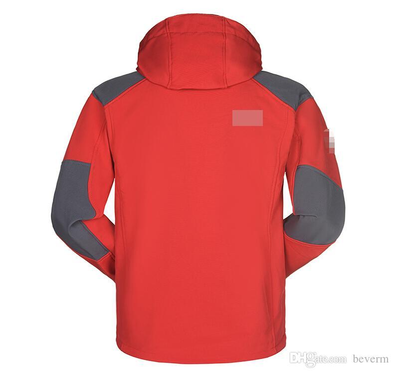Atacado-Homens Impermeável Respirável Jaqueta Softshell Homens Ao Ar Livre Casacos Esportivos mulheres de Esqui Caminhadas À Prova de Vento de Inverno Outwear Casaco Macio Shell