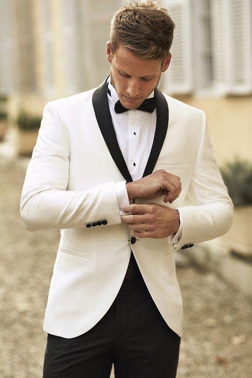 2017 Custom Made Marfim Homens Terno de Casamento Botões Pretos Repicado Lapela Slim Fit Noivo Smoking Padrinhos Ternos Jacket + Pants + Gravata borboleta EN9146
