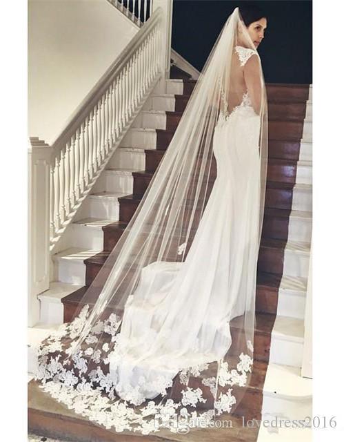 Vente Chaude Pas Cher Longue Chapelle Longueur Voile De Mariée Appliques 2019 Vesta De Novia Longo Mariage Voile Applique Avec Peigne
