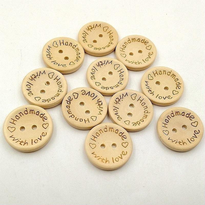 Pulsanti in legno da 15 mm 2 fori rotondi amore cuore scatola regalo fatti a mano Scrapbook artigianale decorazione partito fai da te preferisci accessori cucire