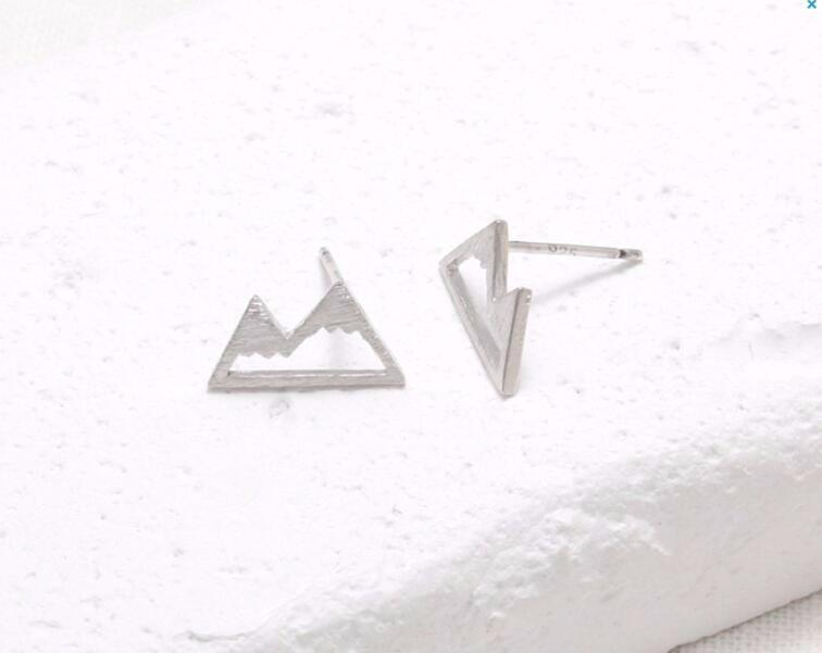 Wholesale Fashion Snow Mountain Earrings for Women Unique Earings Nature Inspired Small Eae Studs Gift For Mom EFE018