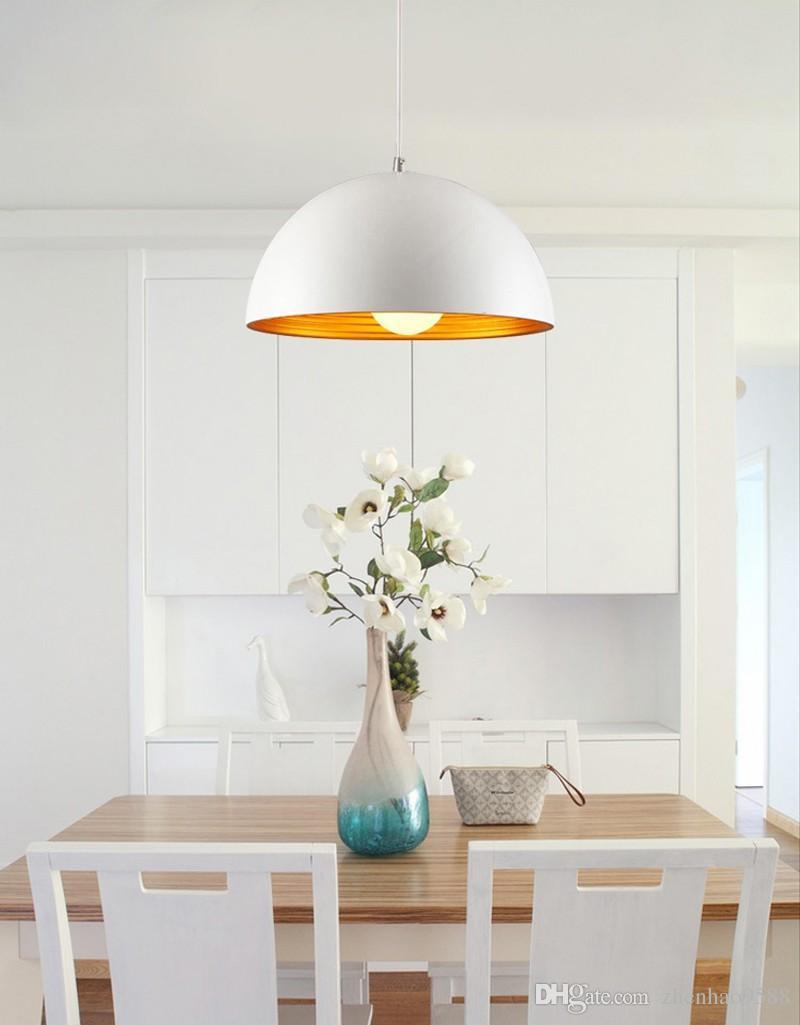 Abat-jour en aluminium de lumière pendante en aluminium nordique noir / blanc de suspension d'éclairage E27 110V 220V de décor pour le luminaire suspendu