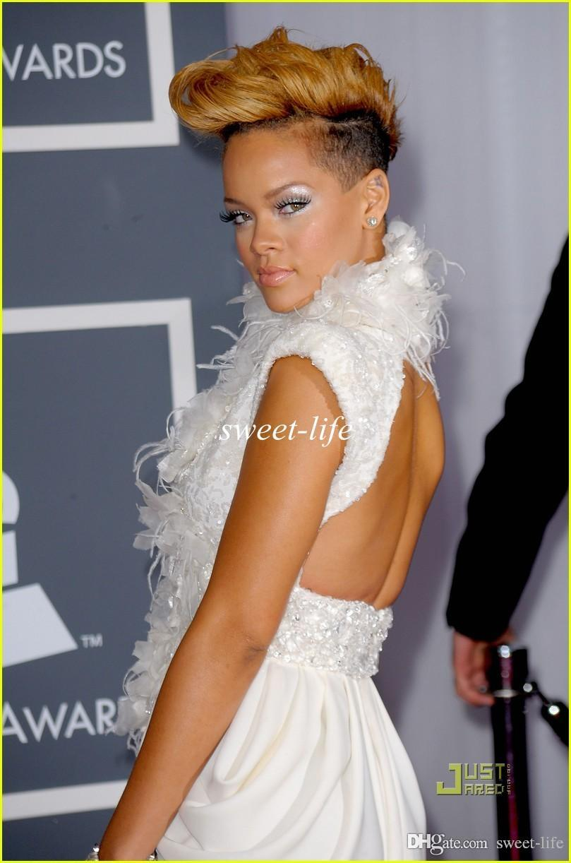 Rihanna Sexy Sur Grammy Tapis Rouge Robes De Célébrités Sirène Dos Nu Haut Cou Plume De Mousseline De Soie 2019 Robes De Soirée Robes De Bal