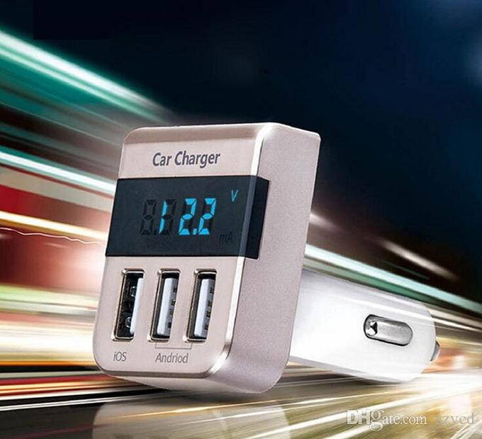 Nuovo adattatore caricabatteria da auto triplo USB 3 porte 3.1A / 5V Uscita Smart LED Display digitale Caricabatteria da auto accendisigari Voltmetro