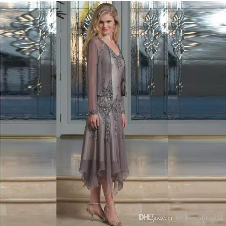Elegant Chiffon Beads Mother of Bride Dresses 2019 Tea Length Moms Wedding Party Gowns with Sheer Long Sleeves Coat