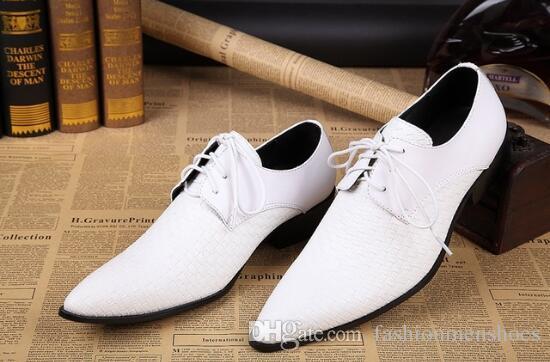 뾰족한 토 프트 가죽 신발 웨딩 신발 남자 패션 남자 브로 구 신발 비즈니스 드레스 신발 화이트 로퍼